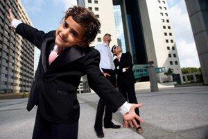 А стоит ли воспитывать ребенка лидером?