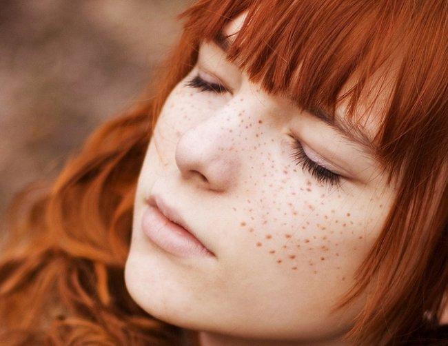 Как себе сделать веснушки на лице