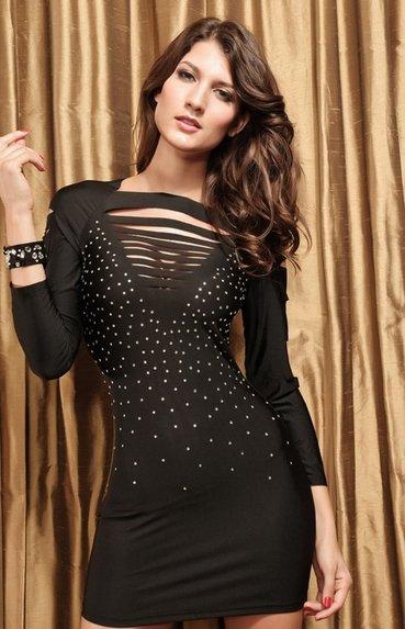 как украсить черное платье
