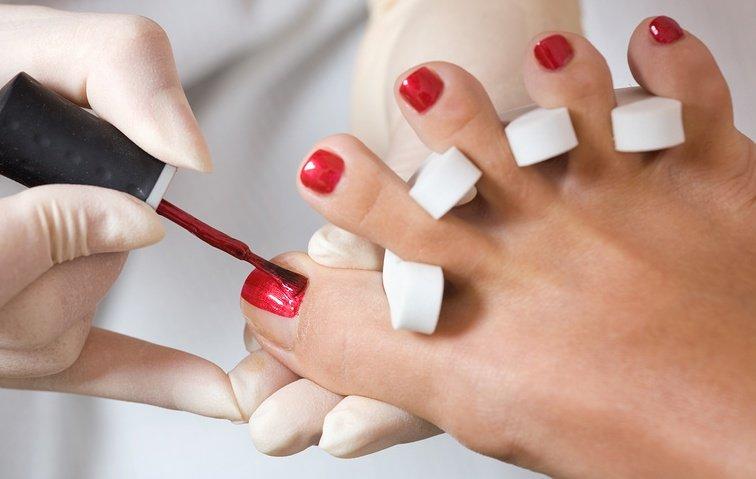 Аппаратный педикюр покрытие ногтей гель-лаком цена