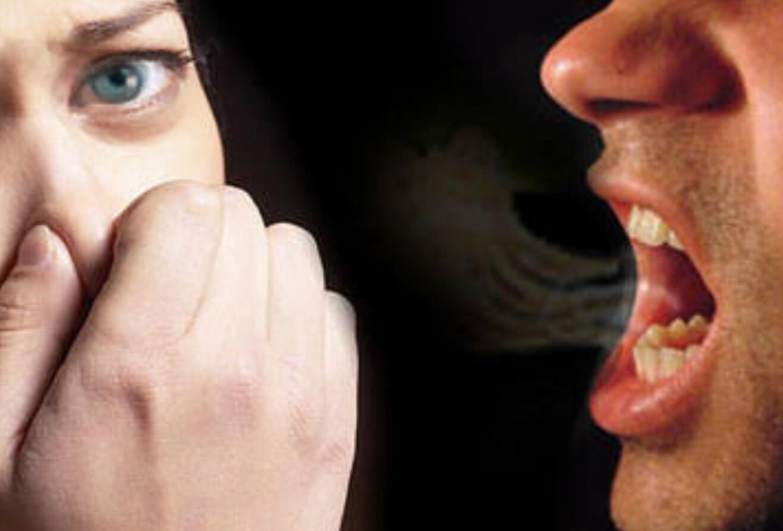 причины запаха изо рта при здоровых зубах