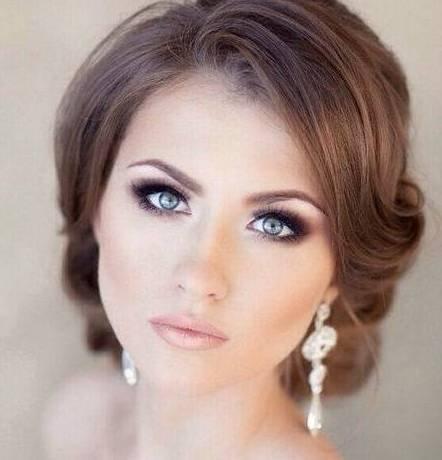 Надо ли самостоятельно делать свадебный макияж