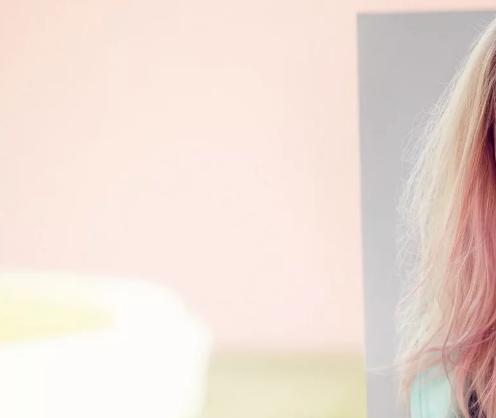 О модных тенденциях в стайлинге и эффективности: возможности пудры для волос
