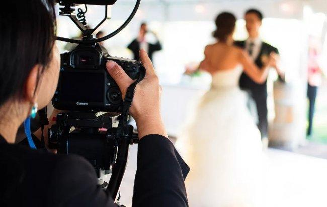 Выбор видеооператора для съемки свадьбы