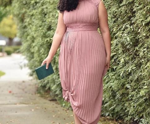 Одежда большого размера для женщин: очарование пышных форм