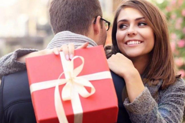 Как выбрать подарки девушке на День Влюбленных