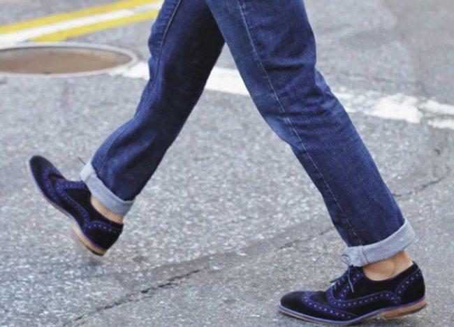Можно ли носить закатанные мужские джинсы?