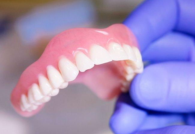 Съемные протезы в стоматологии - виды, показания, преимущества и недостатки