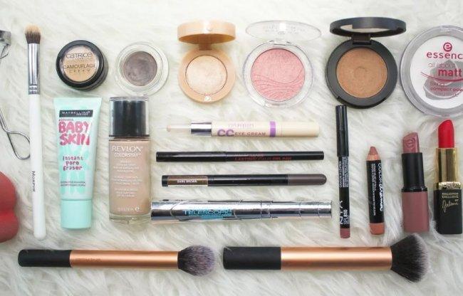 Какую косметику выбрать для ежедневного макияжа?